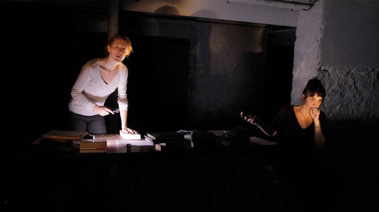 Deux Ampoules – Les Insoumises